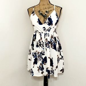 CALS•NWOT•floral•cross back•pleated•dress